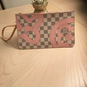 Louis Vuitton Neverfull Tahitienne Damier Pouch.